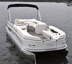 Pontoon Boat Sinks Nj by Best 25 Bentley Pontoon Boats Ideas On Pinterest Pontoon Boat