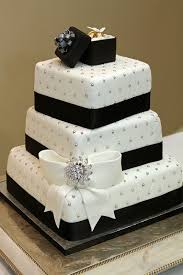 Best 25 Black White Cakes Ideas On Pinterest