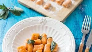 sauge cuisine recettes gnocchis de patate douce au beurre de sauge recette par stella cuisine