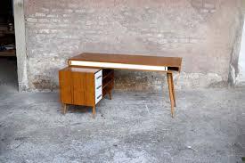 bureau teck massif bureau en teck à caisson et tiroirs fabrication artisanale