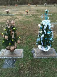 Chicago Area Cemeteries Are A Bit More Quiet During The Special Christmas Season This Is In Part Because Holidays Centered On Activities For
