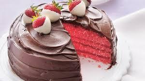 dessert aux fraises gâteau aux fraises enrobé de chocolat vivre délicieusement