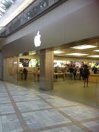 rideau shopping centre stores apple store picture of rideau centre ottawa tripadvisor
