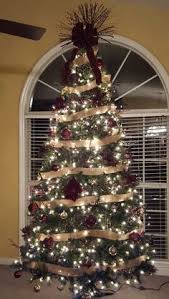 Burgandy And Gold Christmas Tree With Rh Com Maroon