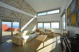 große moderne und helle villa oberhalb st
