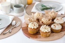 rezept für kürbis cupcakes mit frischkäse frosting madame