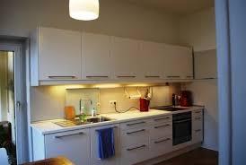 kleine küche begrenztes budget viele türen küchenplanung