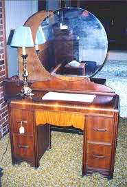 Waterfall Vanity Dresser Set by Discover Mid America Common Sense Antiques