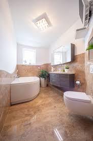badezimmer mit klassischem naturstein travertin steinmetz