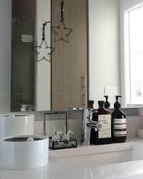 weihnachtsdeko im badezimmer und schwarzweiss ge
