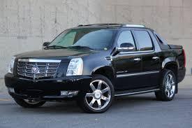 Cadillac Escalade EXT With 32