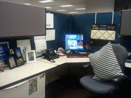 Cute Office Cubicle Decorating Ideas by Excellent Office Desk Birthday Decoration Ideas Cubicle Workspace