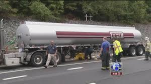 100 Tanker Truck Crash Truck Involved In Crash On I95 SB In Del