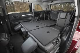 2014 Toyota Highlander Captains Chairs by Suv Comparison Toyota Highlander Vs Hyundai Santa Fe Xl Driving