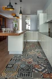 sol vinyle cuisine 1001 idées pour décorer l espace avec le sol vinyle imitation