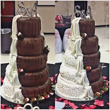 5 Tier Round With Chocolate Covered Strawberries