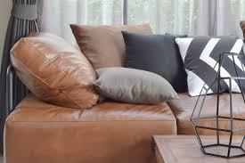 comment enlever des auréoles sur un canapé en tissu enlever du stylo sur un canapé en cuir