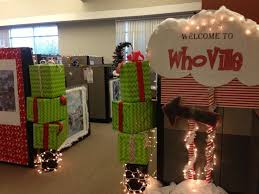 Office Cubicle Holiday Decorating Ideas by 25 Unique Office Christmas Decorations Ideas On Pinterest Diy