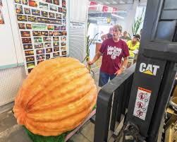 Pumpkin Contest Winners by Griffith Man Sets New Lake County Record With 1 259 Pound Pumpkin