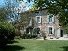 chambre d hote lorraine maison d hôtes de charme à vendre près d avignon dans le vaucluse