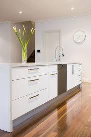 White Kitchen Ideas Pinterest by Best 25 Modern White Kitchens Ideas On Pinterest White Marble