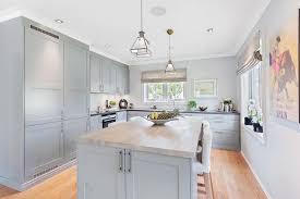 cuisine grise plan de travail bois design interieur ilot cuisine central plan travail bois armoires