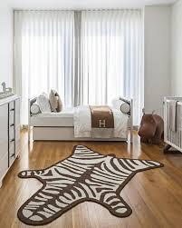 chambre zebre et chambre enfant tapis chambre bébé zèbre marron blanc revêtement sol