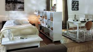 aménager de petits espaces petits espaces aménager un coin chambre dans salon