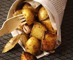 cuisiner des pommes de terre nouvelles pommes de terre nouvelles à l ail et au laurier recette de