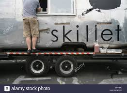 Skillet Food Cart In Seattle, WA Stock Photo: 25795182 - Alamy Skillet Riveting Comfort Food Food Truck Trucks 3701 Tchpitoulas St Irish Ifbc Lunch Seattle Delicious Musings Street 127 Photos 360 Reviews Burgers Skillet On Twitter Truck Is In Issaquah At The Costco Hq Til Catering Our Pferred Caters Pinterest Wraps Wraps1com Local Lens Visits Help From Seattles 10 Essential Eater Another Rolls Out Wichita The Eagle