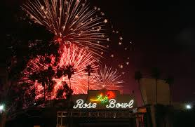 Christmas Tree Lane Pasadena by Where To See July 4th Fireworks In Los Angeles A Complete Guide