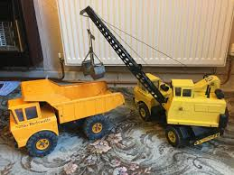 PAIR OF VINTAGE 1970's Steel Tonka Toys - Hydraulic Tipper Truck And ...
