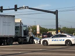 100 Fedex Truck Wreck Joyce Peterson On Twitter SOUTHAVEN TRAFFIC ALERT EB Goodman Road