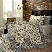 LINENS N MORE INC Oversized King Quilts