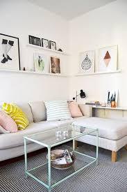 canapé d angle pour petit espace une idée déco pour un petit salon lumineux cosy