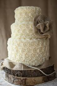 Rustic Wedding Cake With Burlap