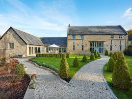 100 Barn Conversion Luxury Cotswold Grade 2 Listed Barn Conversion In Village Location Sleeps 12 Chipping Norton