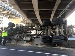 100 Truck Rollover Rollover Causes Big Traffic Jam At Minneapolis Airport MPR News