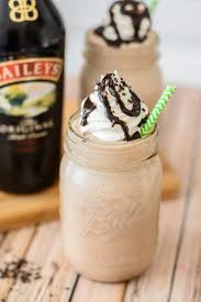Baileys Mocha Frapucinno Just In Time For Summer This Frozen Boozy Coffee Drink Is One