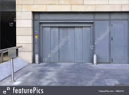100 Car Elevator Garage Lift RoyaltyFree Stock Image