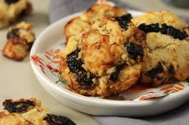 dessert aux pruneaux facile recette de cookies aux pruneaux et chèvre boîte la recette facile