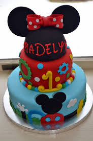 Mickey Mouse Flip Open Sofa Uk by Best 25 Mickey Mouse Clubhouse Cake Ideas Only On Pinterest