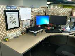 Cubicle Decoration Themes For Competition by Office Design Office Desk Decoration Ideas Office Cubicle