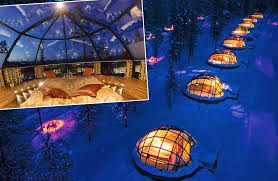 Northern Lights Job To Observe from Glass Igloo Finland Application