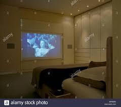 eine moderne neutral minimalistischen schlafzimmer mit
