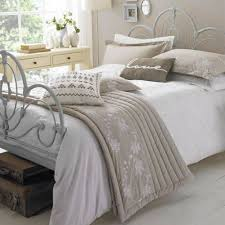 Brighten Up Your Bedroom With Fresh White Duvet Cover Beautiful Crewel Embroidery Design 5