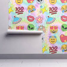 Isobar Durable Wallpaper Featuring 3 Emoji Aliens Hearts Stars Smiling Smiley Faces Angels Crying Tears Of