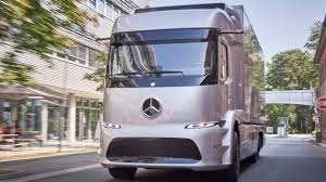 100 Mercedes Semi Truck Benz Urban E Worlds First Electric On Roads