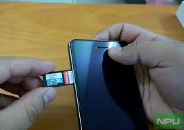 Nokia 6 Hands on How to insert SIM & MicroSD cards