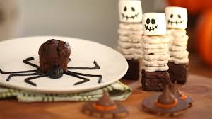 Ideas For Halloween Food Names by How To Make Spooky Halloween Snacks Kin Community Youtube